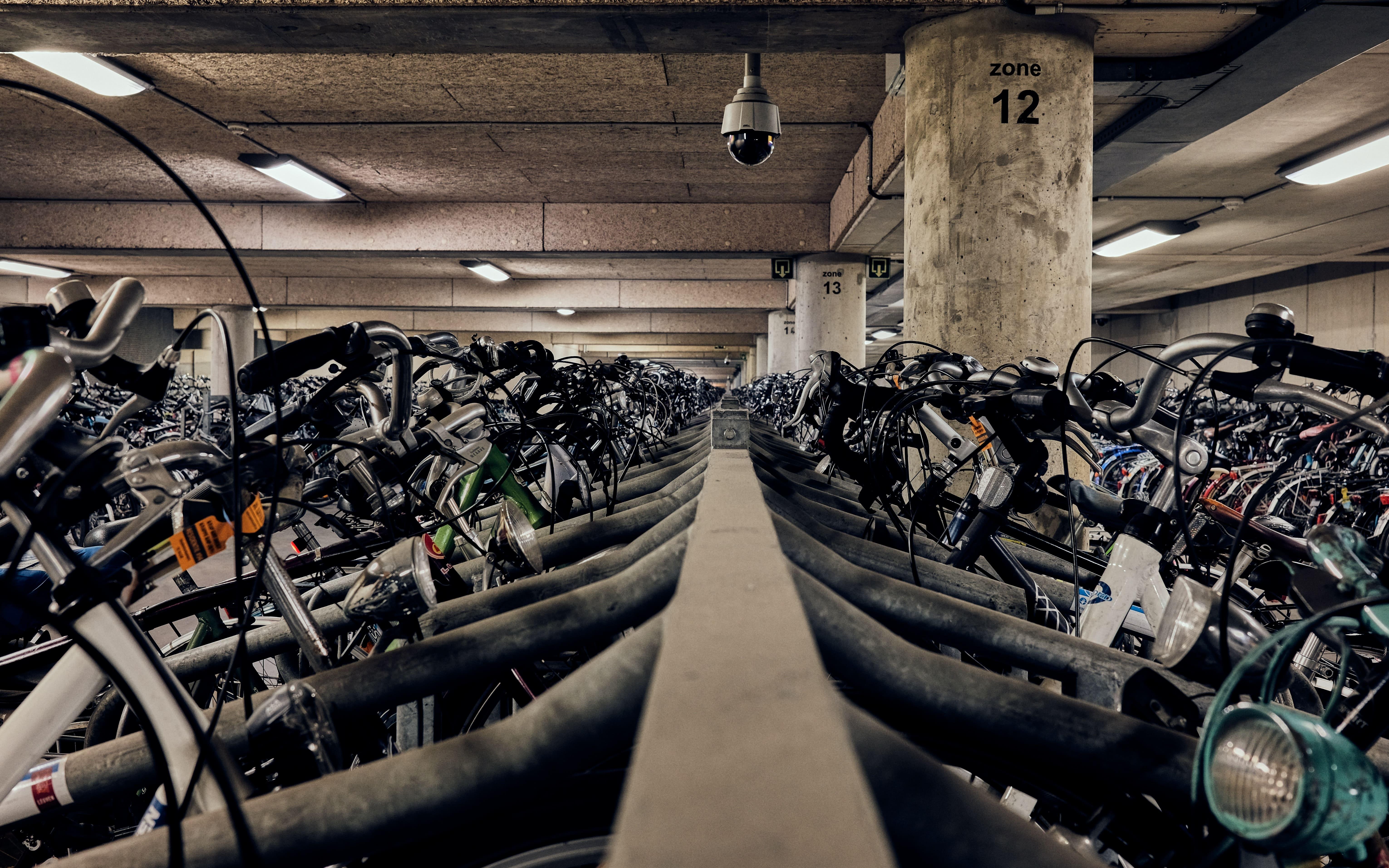 bike garage company